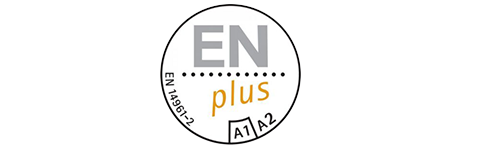 Das Qualitätssiegel DIN plus kontrolliert neben der Brennstoffqualität und dem Herstellungsprozess auch den Handel, Transport sowie die Lagerung.